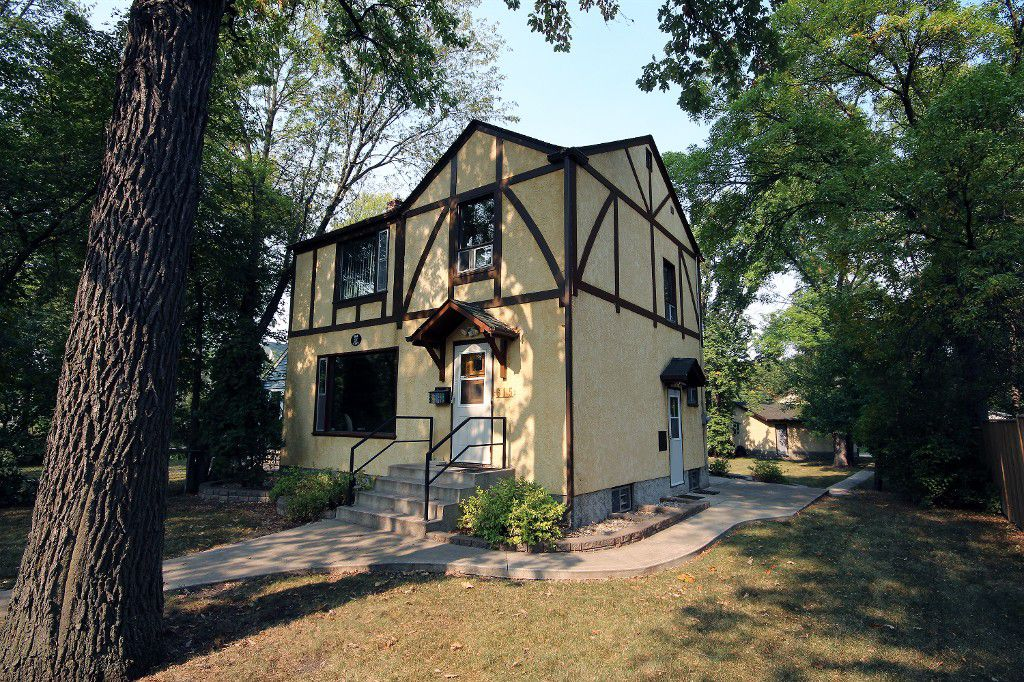 Main Photo: 615 Churchill Drive in Winnipeg: Riverview Residential for sale (1A)  : MLS®# 1724594