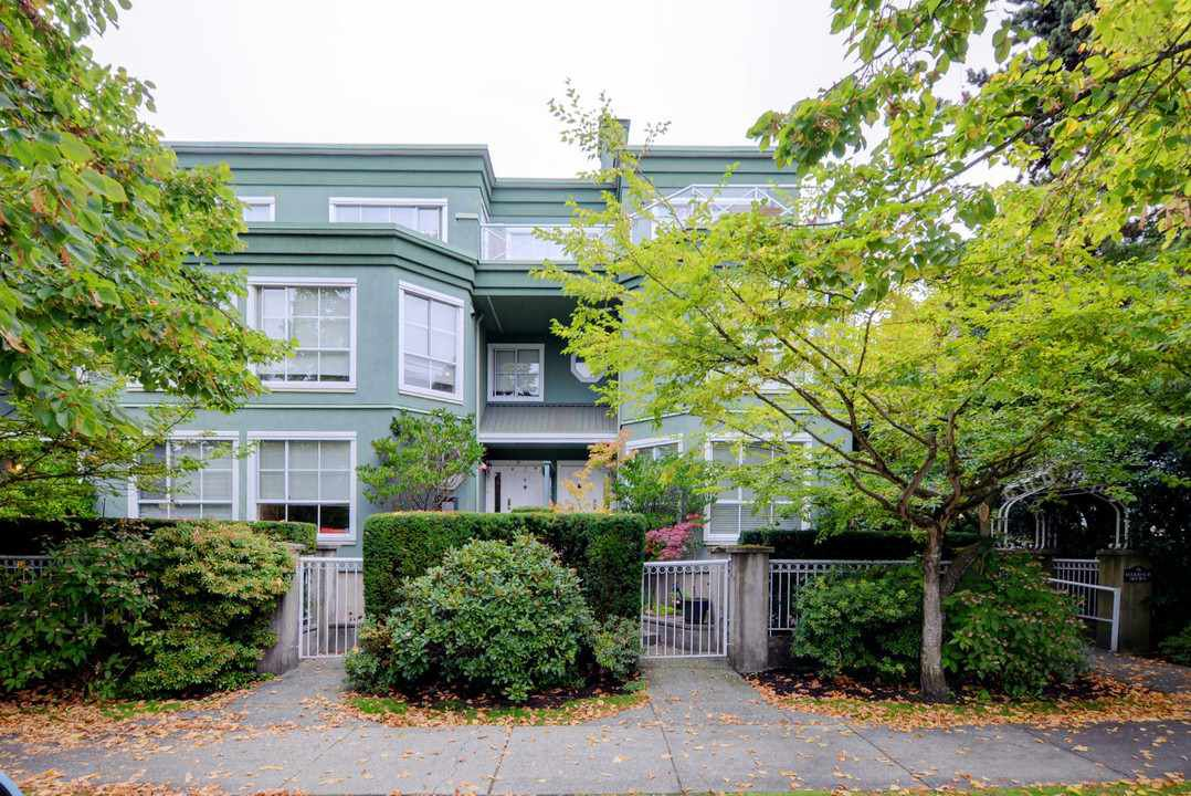 """Main Photo: 301 250 W 4TH Street in North Vancouver: Lower Lonsdale Condo for sale in """"Harbour Mews"""" : MLS®# R2212939"""