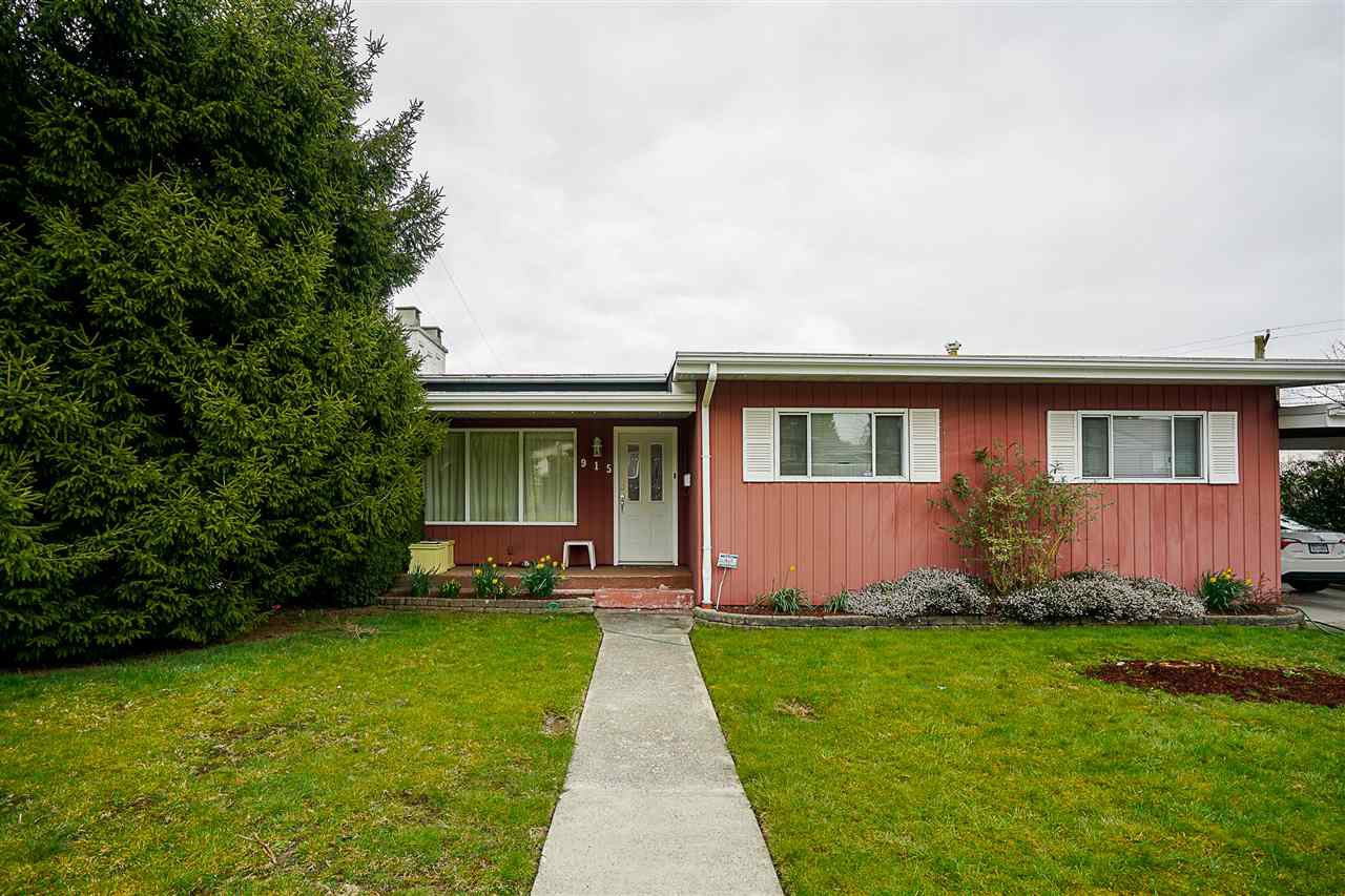 """Main Photo: 915 LEE Street in New Westminster: The Heights NW House for sale in """"THE HEIGHTS"""" : MLS®# R2249864"""