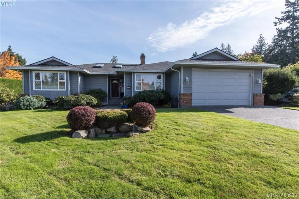 Main Photo: 4999 Del Monte Avenue in VICTORIA: SE Cordova Bay Single Family Detached for sale (Saanich East)  : MLS®# 400933