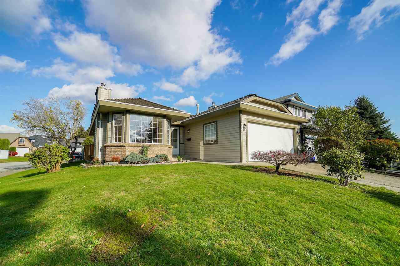 "Main Photo: 10532 WOODGLEN Place in Surrey: Fraser Heights House for sale in ""Fraserglen"" (North Surrey)  : MLS®# R2318712"