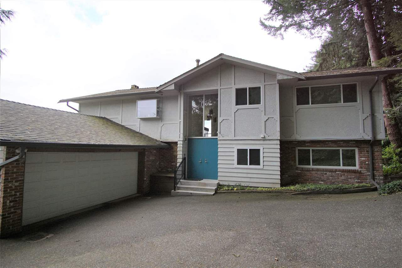 """Main Photo: 558 ST. ANDREWS Road in West Vancouver: Glenmore House for sale in """"BRITISH PROPERTIES"""" : MLS®# R2338559"""