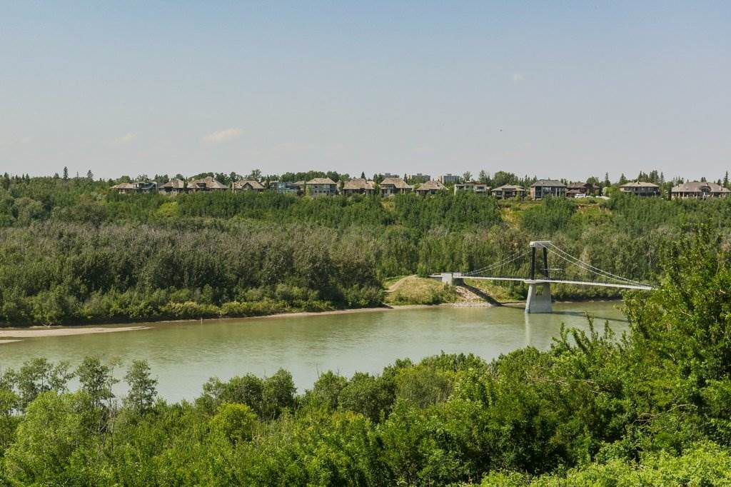 Main Photo: 5510 WHITEMUD Road in Edmonton: Zone 14 House for sale : MLS®# E4154120