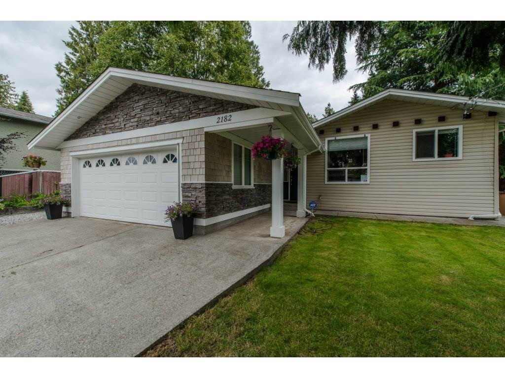 Main Photo: 2182 GUILFORD Drive in Abbotsford: Abbotsford East House for sale : MLS®# R2092153