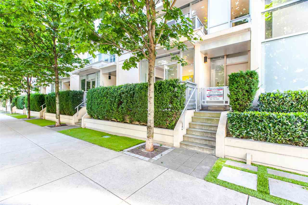 "Main Photo: 1003 RICHARDS Street in Vancouver: Downtown VW Townhouse for sale in ""MIRO"" (Vancouver West)  : MLS®# R2097525"