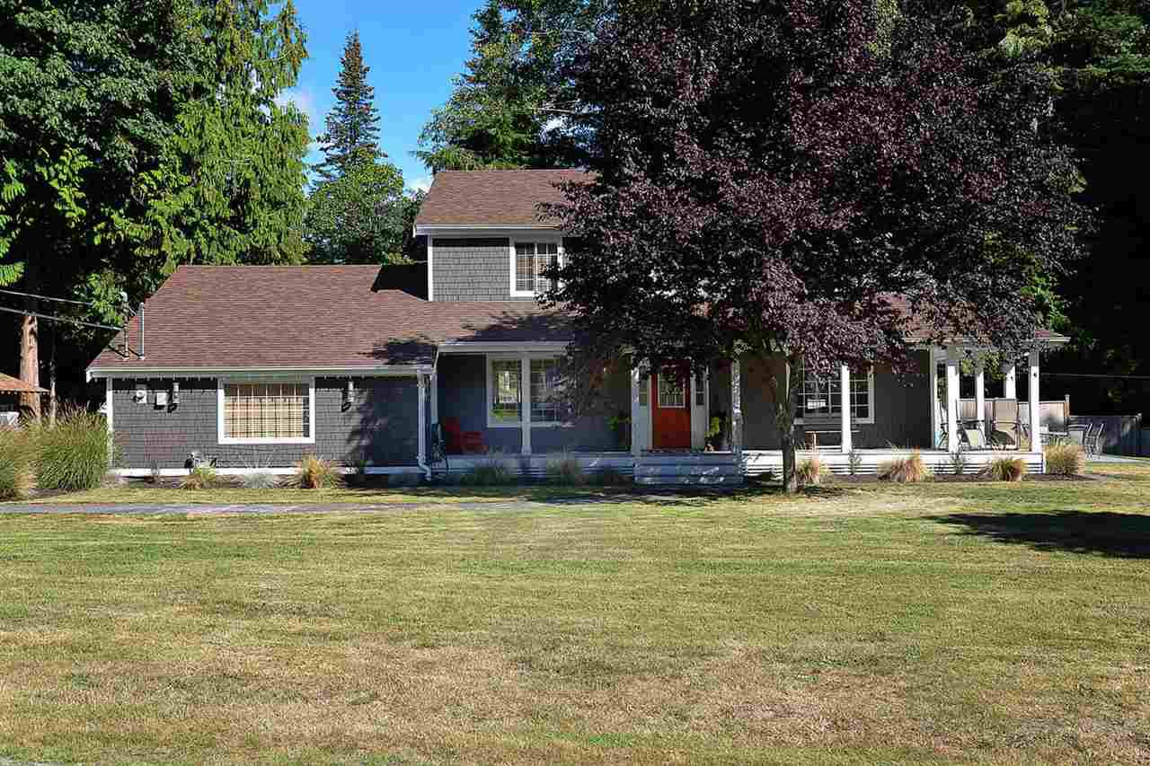 "Main Photo: 1080 TIMBERLAND Road: Roberts Creek House for sale in ""Heart of Roberts Creek"" (Sunshine Coast)  : MLS®# R2107079"