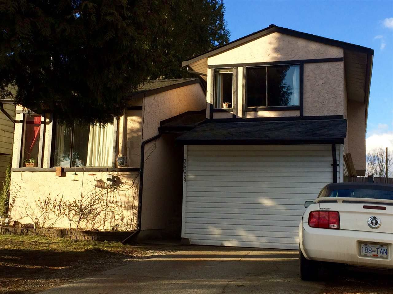 Main Photo: 34059 HAZELWOOD Avenue in Abbotsford: Central Abbotsford House for sale : MLS®# R2136455