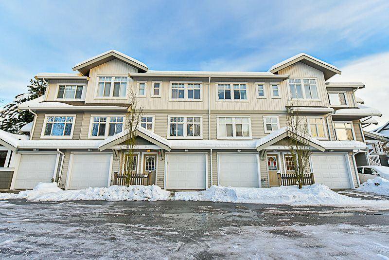 "Main Photo: 174 16177 83 Avenue in Surrey: Fleetwood Tynehead Townhouse for sale in ""VERANDA"" : MLS®# R2137820"