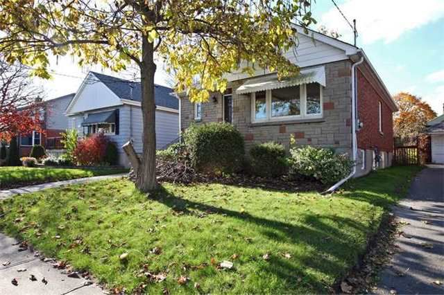 Main Photo: Lower 50 S Wilson Road in Oshawa: Central House (Bungalow) for lease : MLS®# E4018208