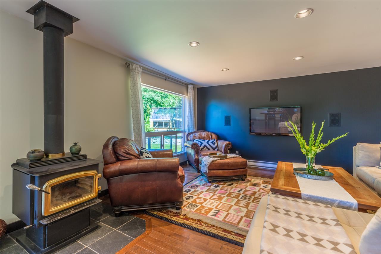 Photo 6: Photos: 2540 SUNSHINE COAST Highway: Roberts Creek House for sale (Sunshine Coast)  : MLS®# R2243602