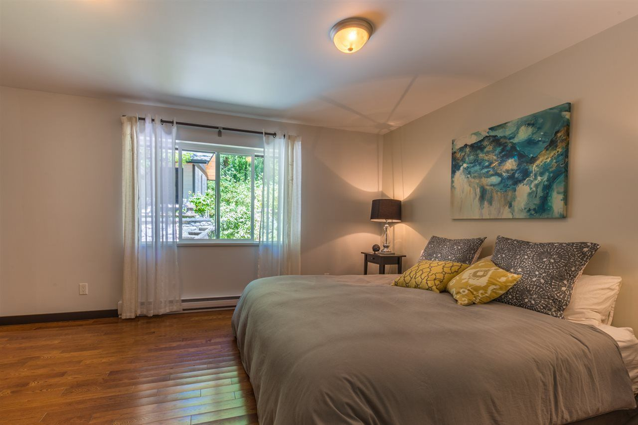 Photo 9: Photos: 2540 SUNSHINE COAST Highway: Roberts Creek House for sale (Sunshine Coast)  : MLS®# R2243602
