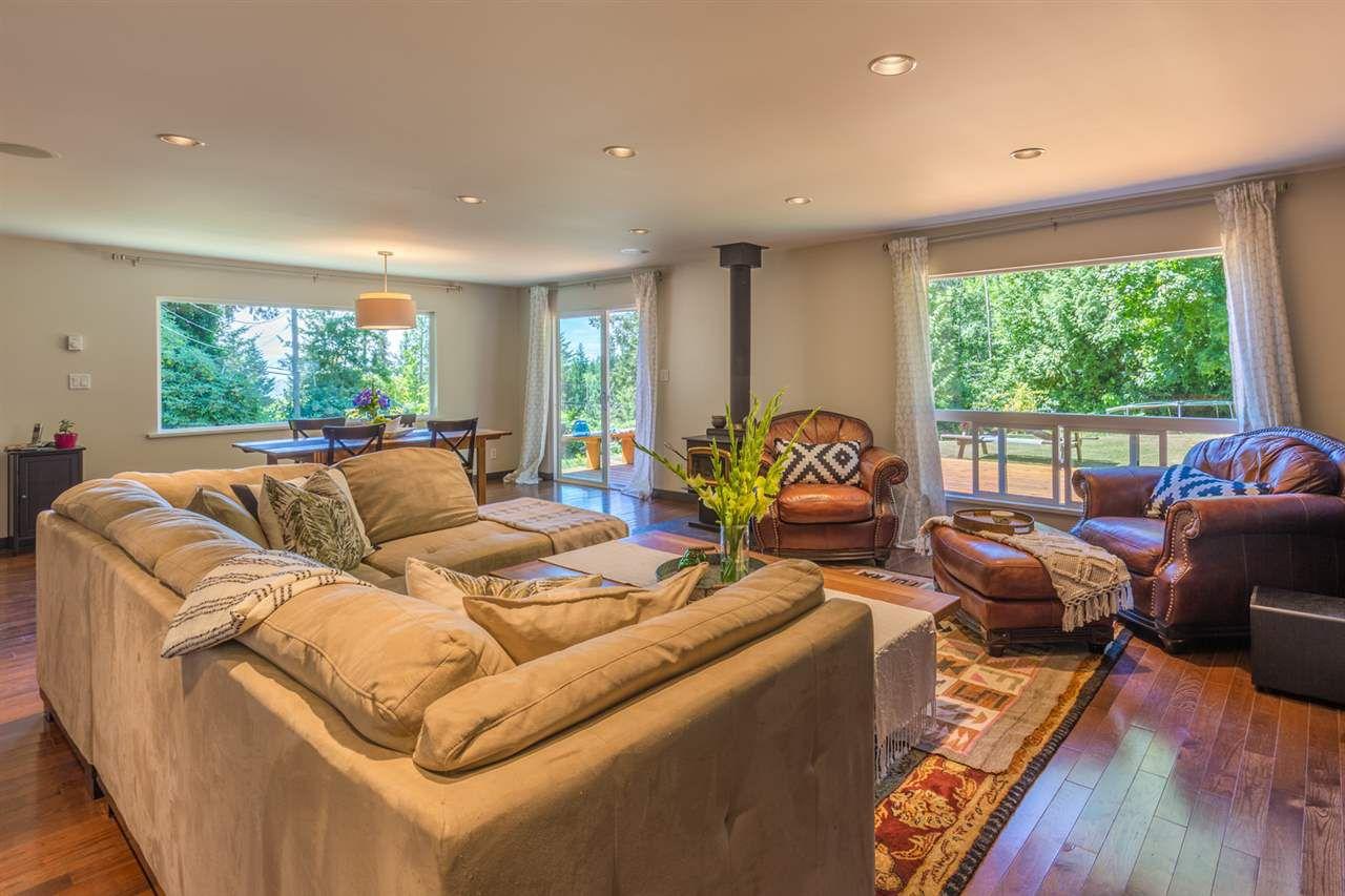 Photo 7: Photos: 2540 SUNSHINE COAST Highway: Roberts Creek House for sale (Sunshine Coast)  : MLS®# R2243602