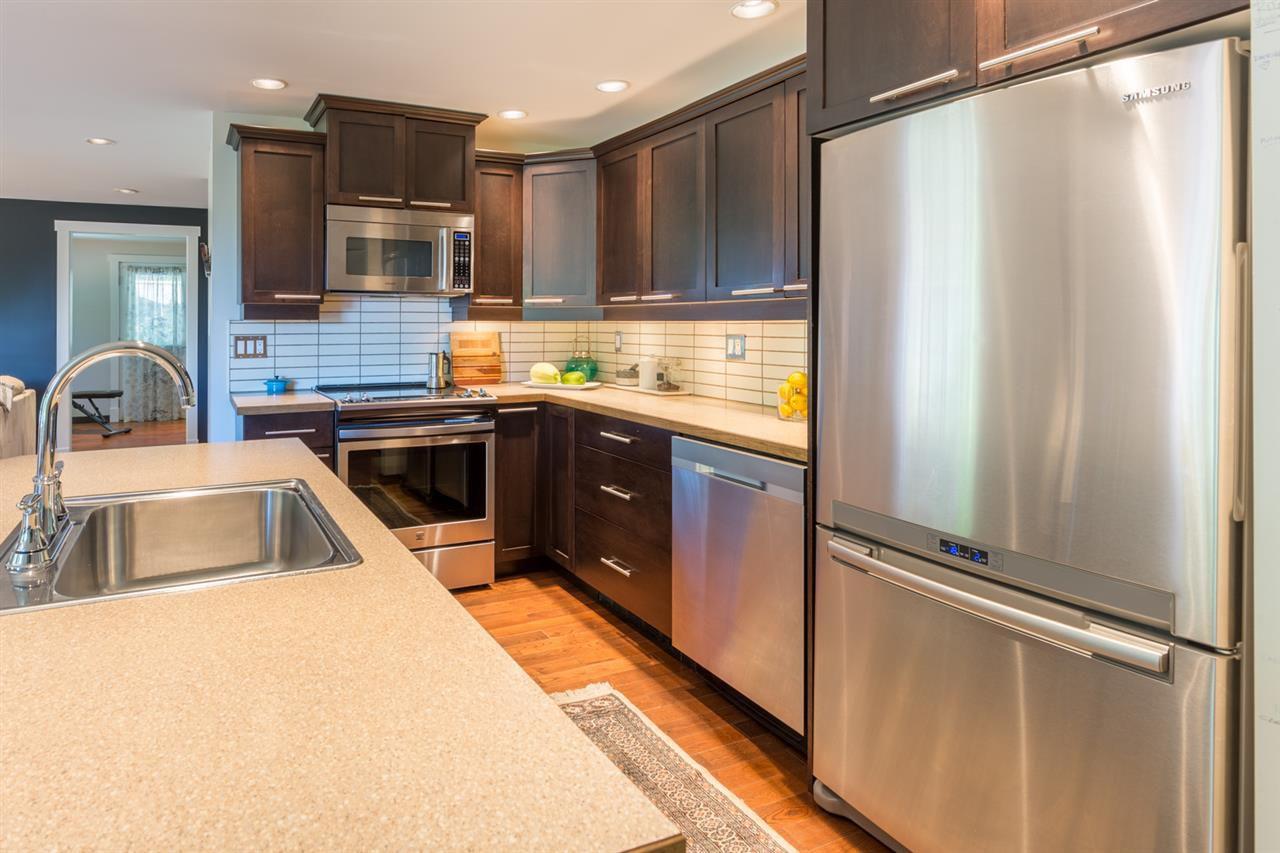 Photo 3: Photos: 2540 SUNSHINE COAST Highway: Roberts Creek House for sale (Sunshine Coast)  : MLS®# R2243602