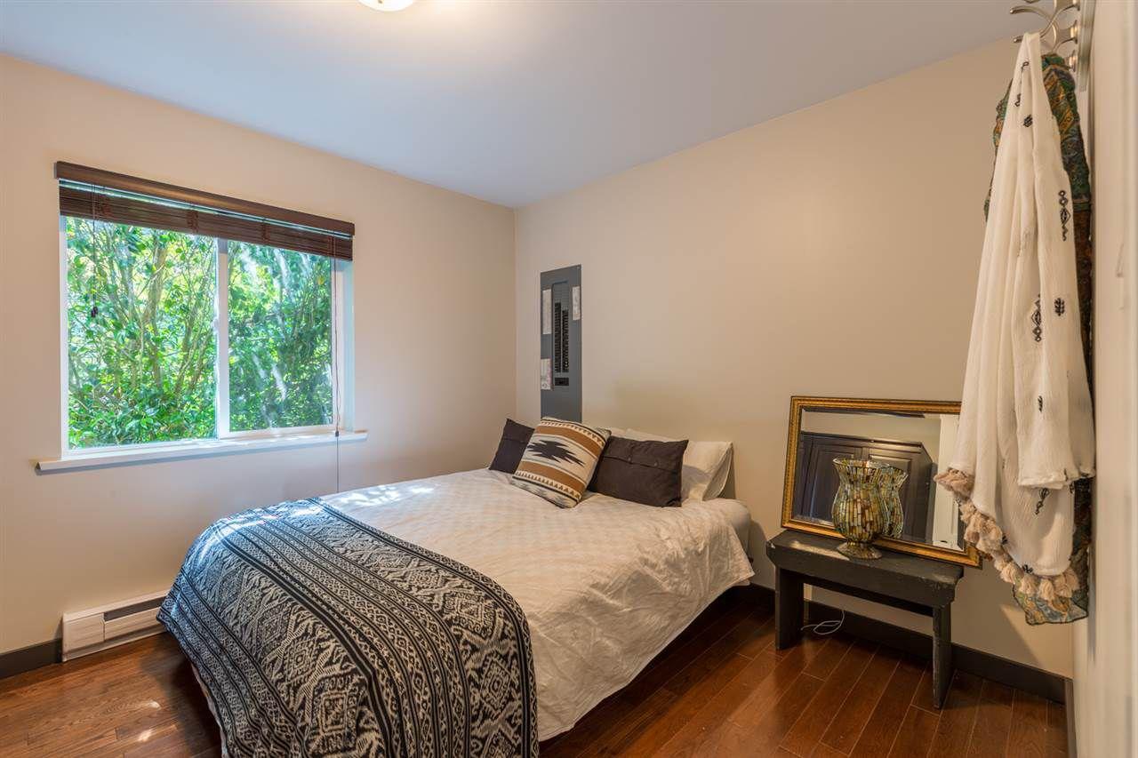 Photo 11: Photos: 2540 SUNSHINE COAST Highway: Roberts Creek House for sale (Sunshine Coast)  : MLS®# R2243602