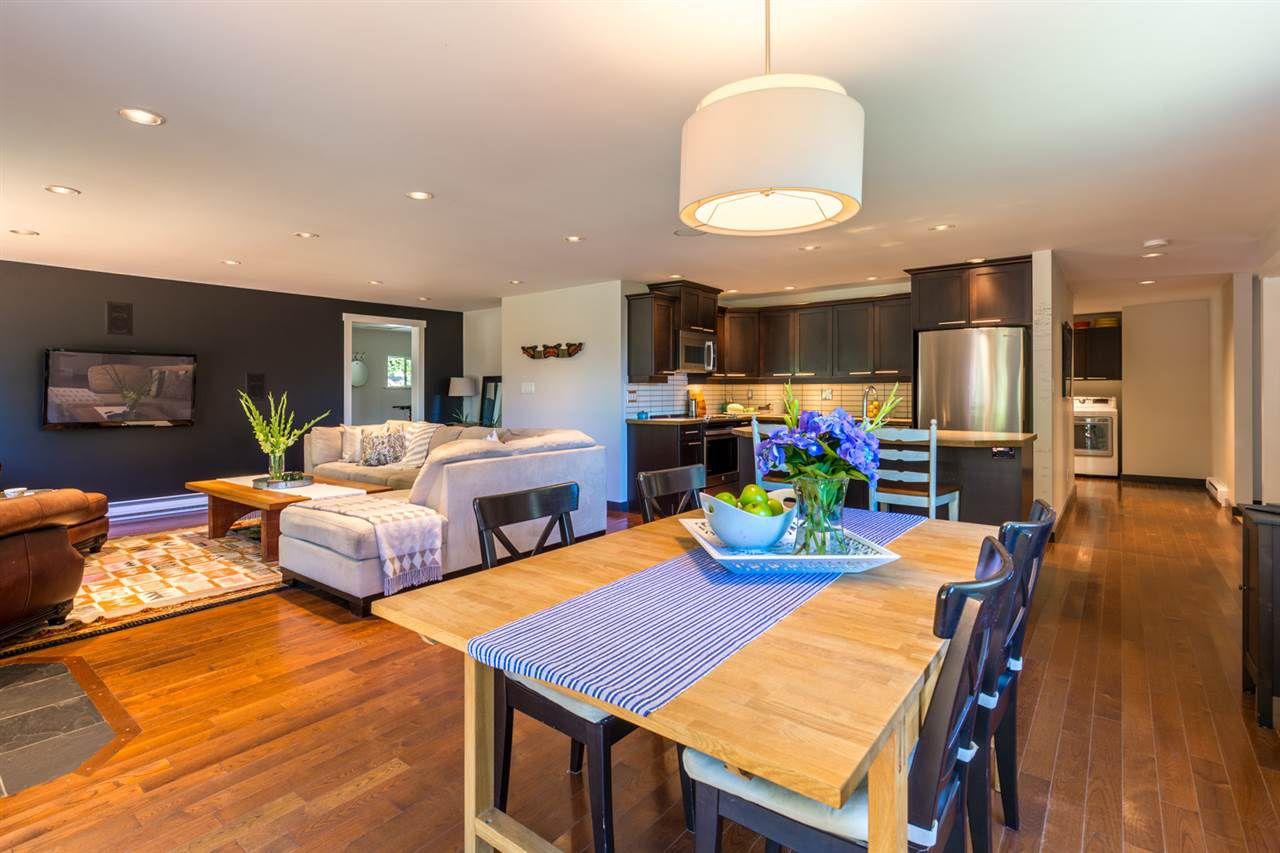 Photo 4: Photos: 2540 SUNSHINE COAST Highway: Roberts Creek House for sale (Sunshine Coast)  : MLS®# R2243602
