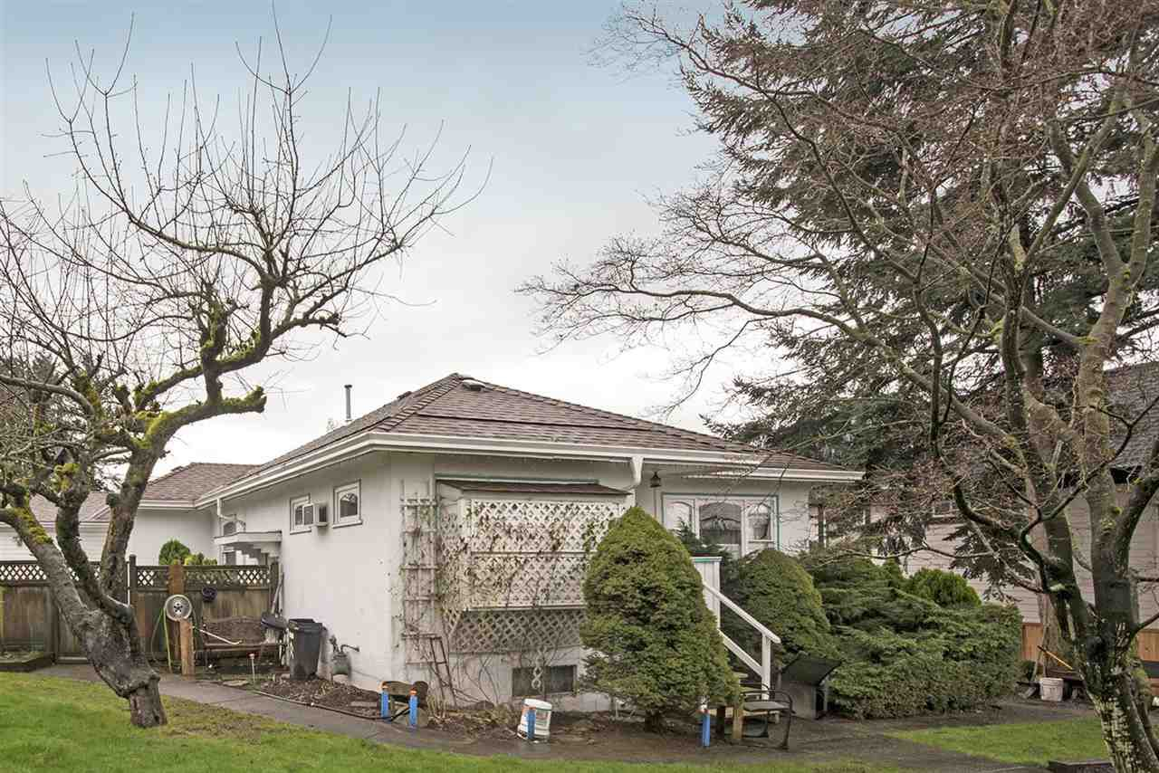 Main Photo: 241 BLUE MOUNTAIN Street in Coquitlam: Maillardville House for sale : MLS®# R2253258
