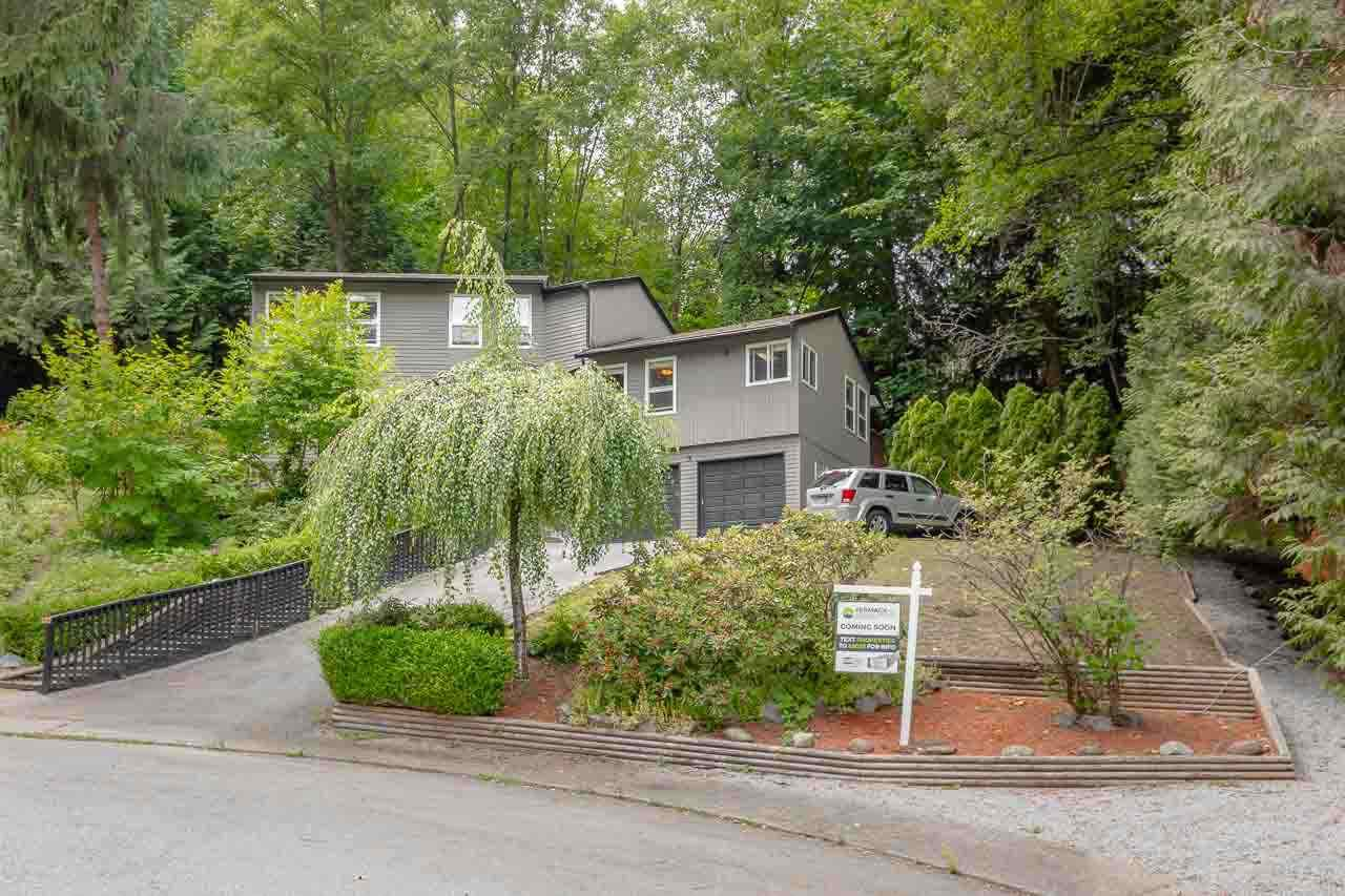 """Main Photo: 1068 HULL Court in Coquitlam: Ranch Park House for sale in """"RANCH PARK"""" : MLS®# R2303404"""