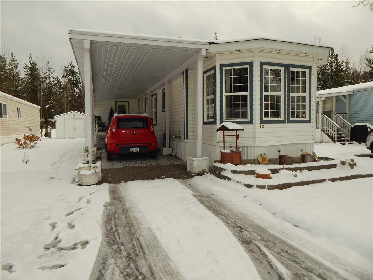 """Main Photo: 28 1000 INVERNESS Road in Prince George: Aberdeen PG Manufactured Home for sale in """"ABERDEEN - HART HIGHWAY"""" (PG City North (Zone 73))  : MLS®# R2321871"""