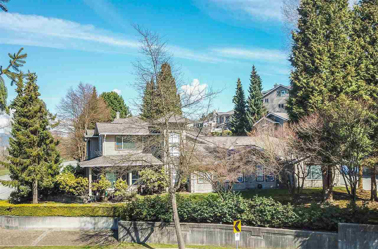 "Main Photo: 1101 O'FLAHERTY Gate in Port Coquitlam: Citadel PQ Townhouse for sale in ""THE SUMMIT"" : MLS®# R2346244"