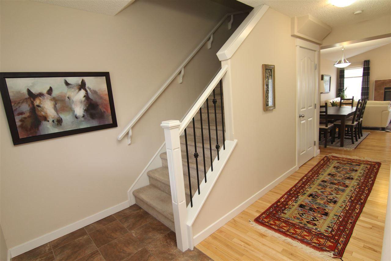Main Photo: 6129 Stinson Way in Edmonton: Zone 14 House for sale : MLS®# E4149089