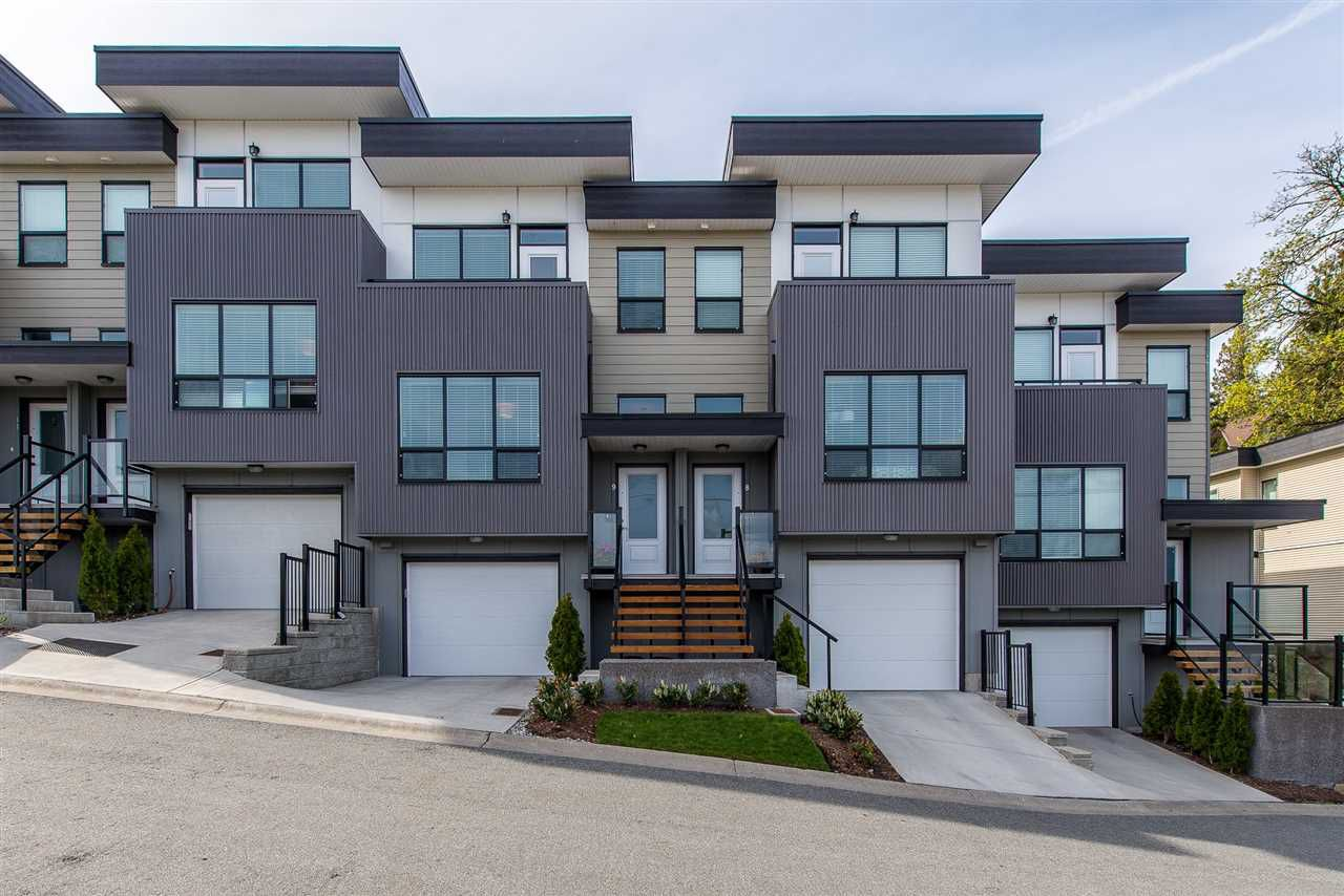 "Main Photo: 9 36099 WATERLEAF Place in Abbotsford: Abbotsford East Townhouse for sale in ""Vantage at Whatcom"" : MLS®# R2359732"