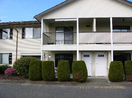 Main Photo: 3 32959 GEORGE FERGUSON WY in Abbotsford: House for sale (Central Abbotsford)  : MLS®# F2609545