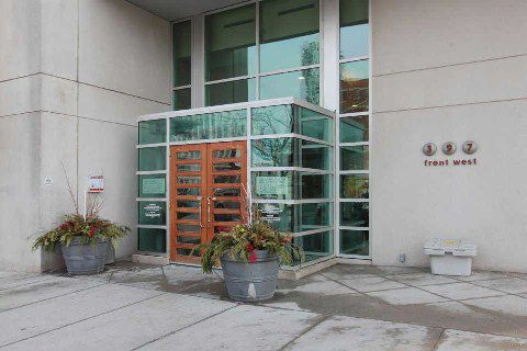 Main Photo: 09 397 Front Street in Toronto: Waterfront Communities C1 Condo for lease (Toronto C01)  : MLS®# C2814864