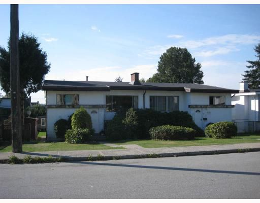 Main Photo: 6290 WINCH ST in Burnaby: Parkcrest House Duplex for sale (Burnaby North)  : MLS®# V788129