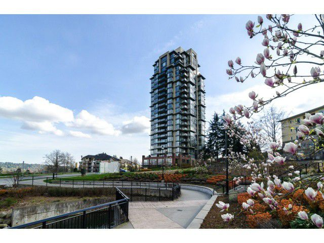 "Main Photo: 1801 15 E ROYAL Avenue in New Westminster: Fraserview NW Condo for sale in ""VICTORIA HILL"" : MLS®# V1058425"