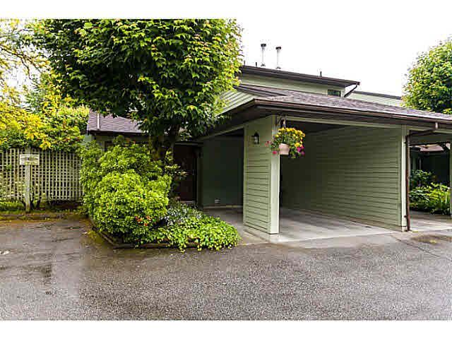 "Main Photo: 8 20681 THORNE Avenue in Maple Ridge: Southwest Maple Ridge Townhouse for sale in ""THORNEBERRY GATE"" : MLS®# V1070923"
