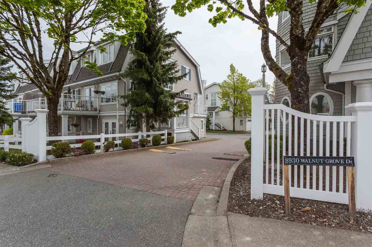 "Main Photo: 20 8930 WALNUT GROVE Drive in Langley: Walnut Grove Townhouse for sale in ""Highland Ridge"" : MLS®# R2162960"