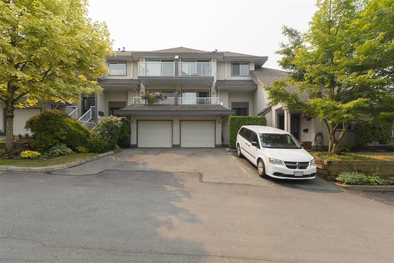 """Main Photo: 14 21965 49 Avenue in Langley: Murrayville Townhouse for sale in """"LIVINGSTONE RIDGE"""" : MLS®# R2194872"""