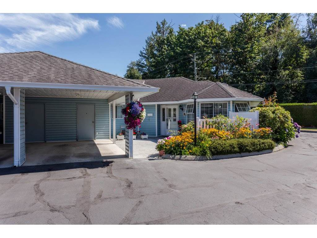 "Main Photo: 57 34959 OLD CLAYBURN Road in Abbotsford: Abbotsford East Townhouse for sale in ""Crown Point Villas"" : MLS®# R2197812"