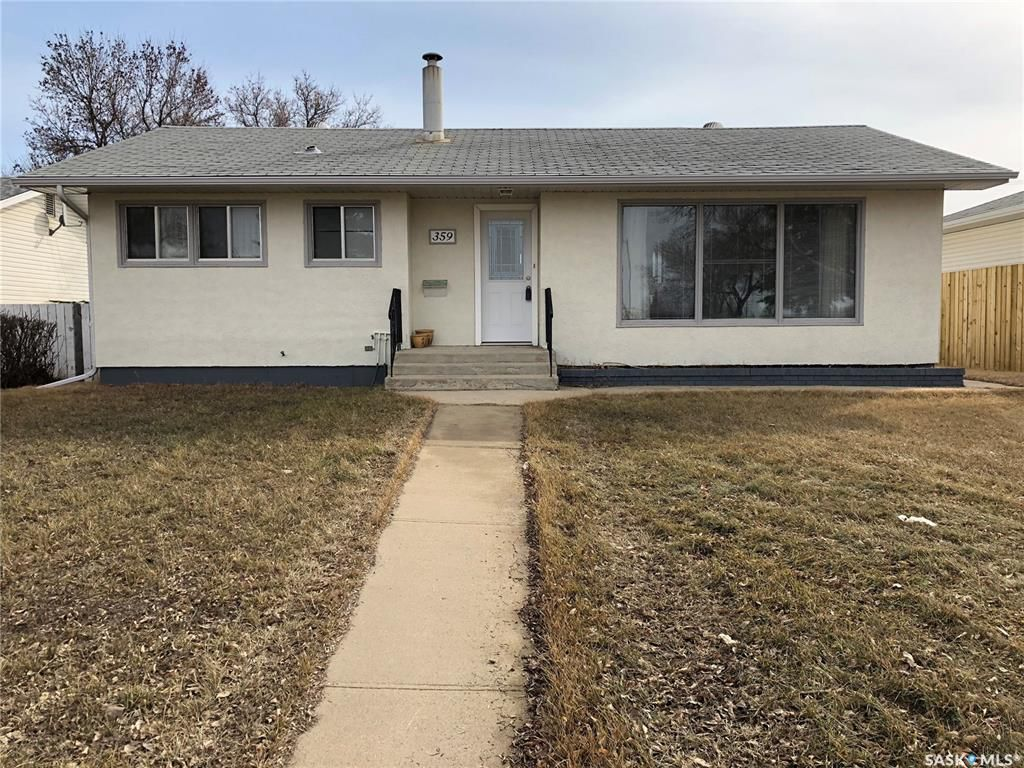 Main Photo: 359 Central Avenue South in Swift Current: South West SC Residential for sale : MLS®# SK762355
