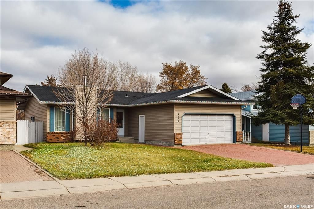Photo 2: Photos: 323 Addie Crescent in Saskatoon: Forest Grove Residential for sale : MLS®# SK767465