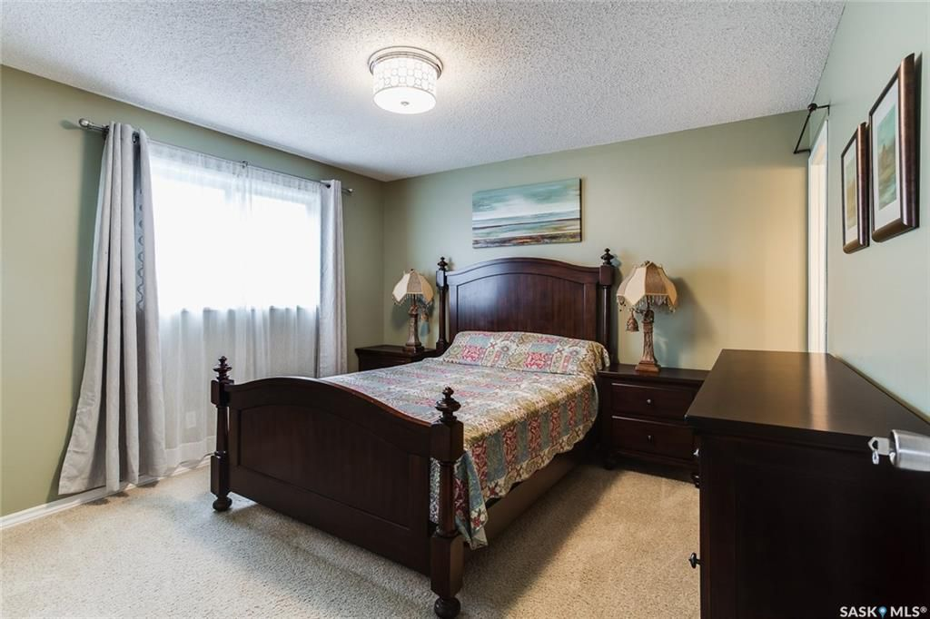 Photo 8: Photos: 323 Addie Crescent in Saskatoon: Forest Grove Residential for sale : MLS®# SK767465