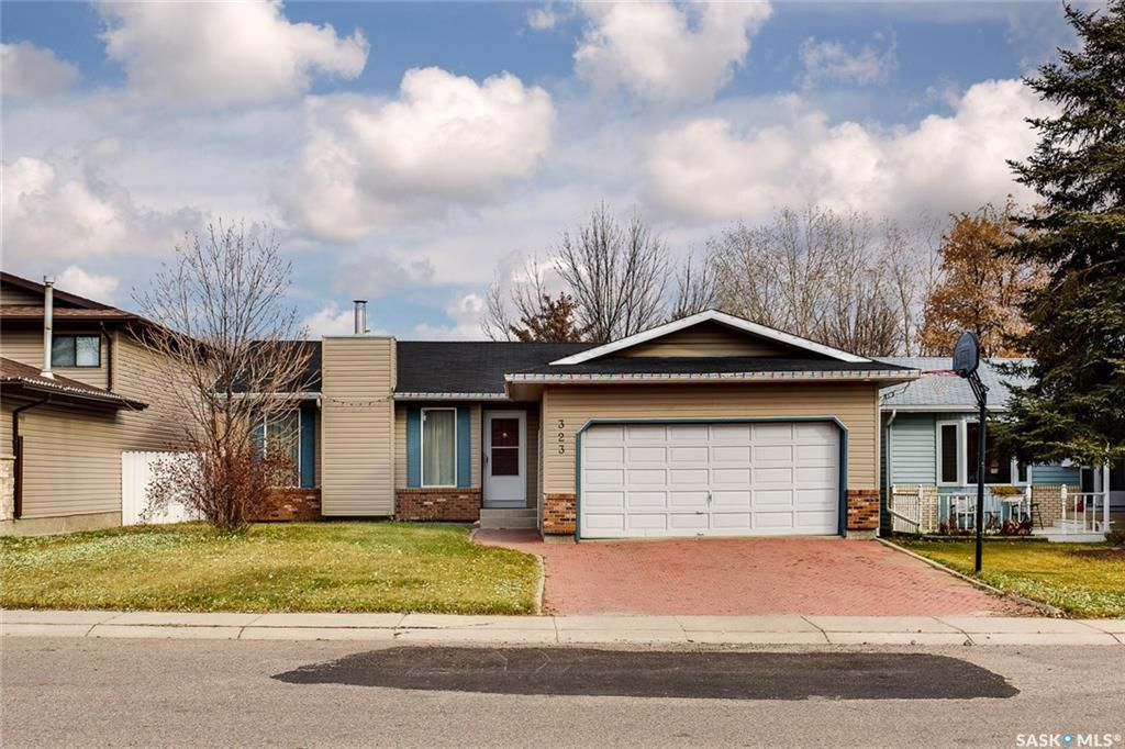 Photo 1: Photos: 323 Addie Crescent in Saskatoon: Forest Grove Residential for sale : MLS®# SK767465