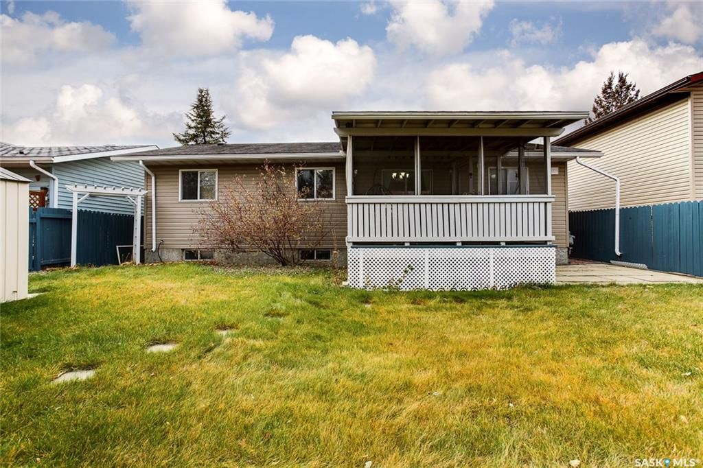 Photo 21: Photos: 323 Addie Crescent in Saskatoon: Forest Grove Residential for sale : MLS®# SK767465