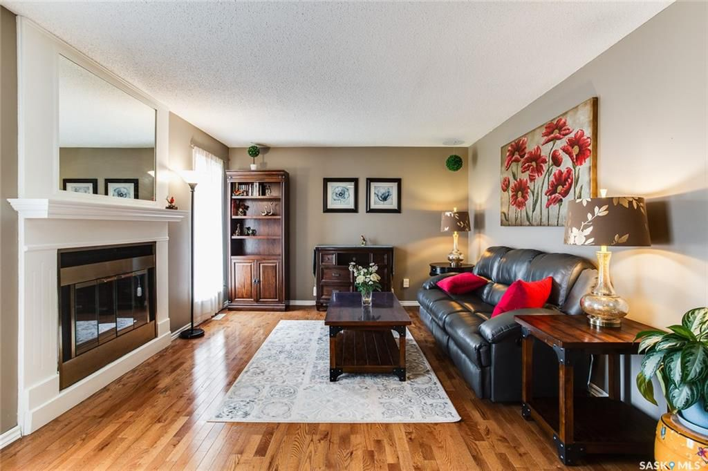 Photo 3: Photos: 323 Addie Crescent in Saskatoon: Forest Grove Residential for sale : MLS®# SK767465