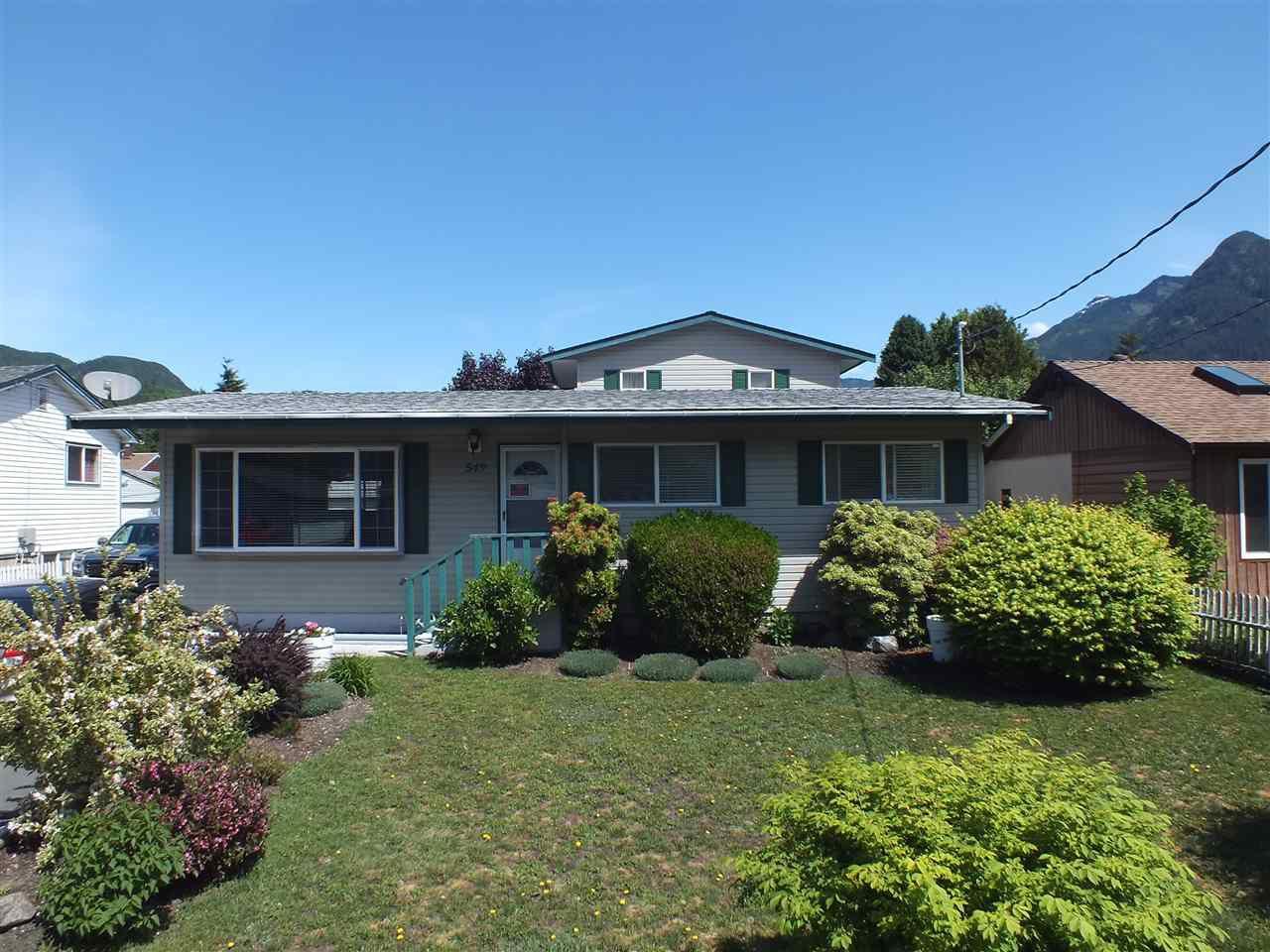 Main Photo: 549 RUPERT Street in Hope: Hope Center House for sale : MLS®# R2370530