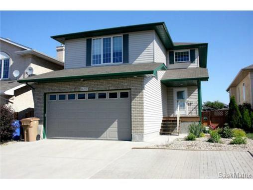 Main Photo: 1637 FENWICK CRES N in Regina: Residential for sale (Regina Area 01)  : MLS®# 470036
