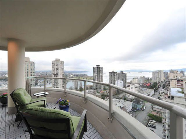 """Main Photo: 1802 1020 HARWOOD Street in Vancouver: West End VW Condo for sale in """"CRYSYALLIS"""" (Vancouver West)  : MLS®# V1103318"""