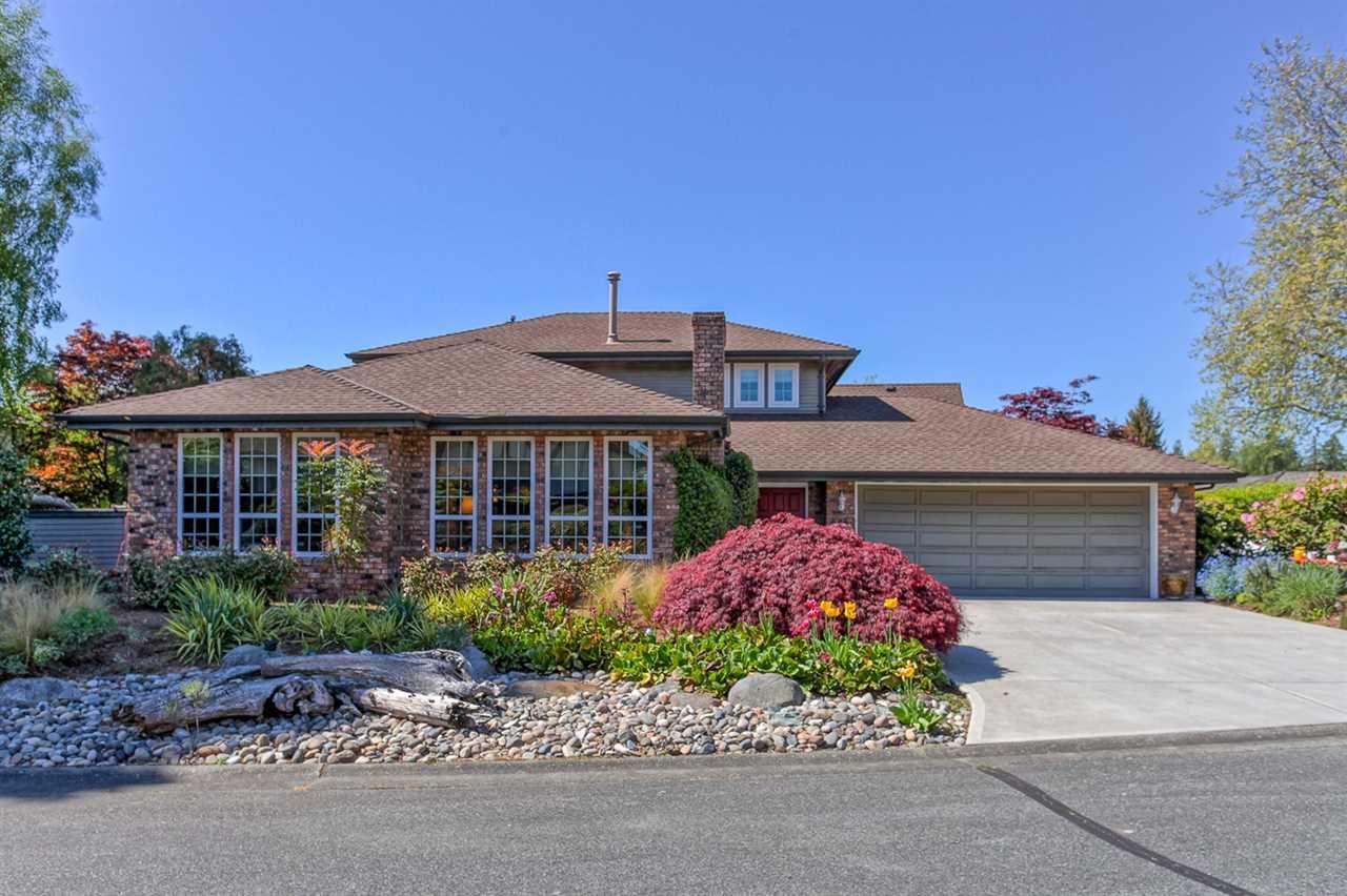 Main Photo: 648 SANDOLLAR Place in Delta: Tsawwassen East House for sale (Tsawwassen)  : MLS®# R2095164