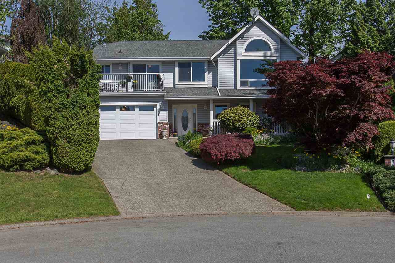 Main Photo: 36021 SOUTHRIDGE Place in Abbotsford: Abbotsford East House for sale : MLS®# R2288652