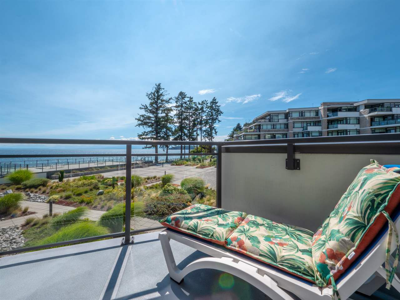 "Main Photo: 302 5665 TEREDO Street in Sechelt: Sechelt District Condo for sale in ""Watermark"" (Sunshine Coast)  : MLS®# R2295052"