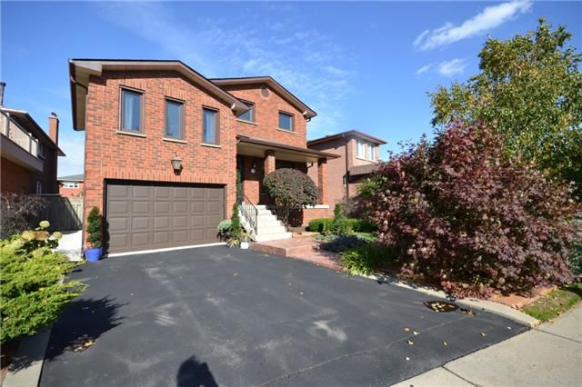 Main Photo: 274 Mathewson Street in Vaughan: Maple House (2-Storey) for sale : MLS®# N4278713