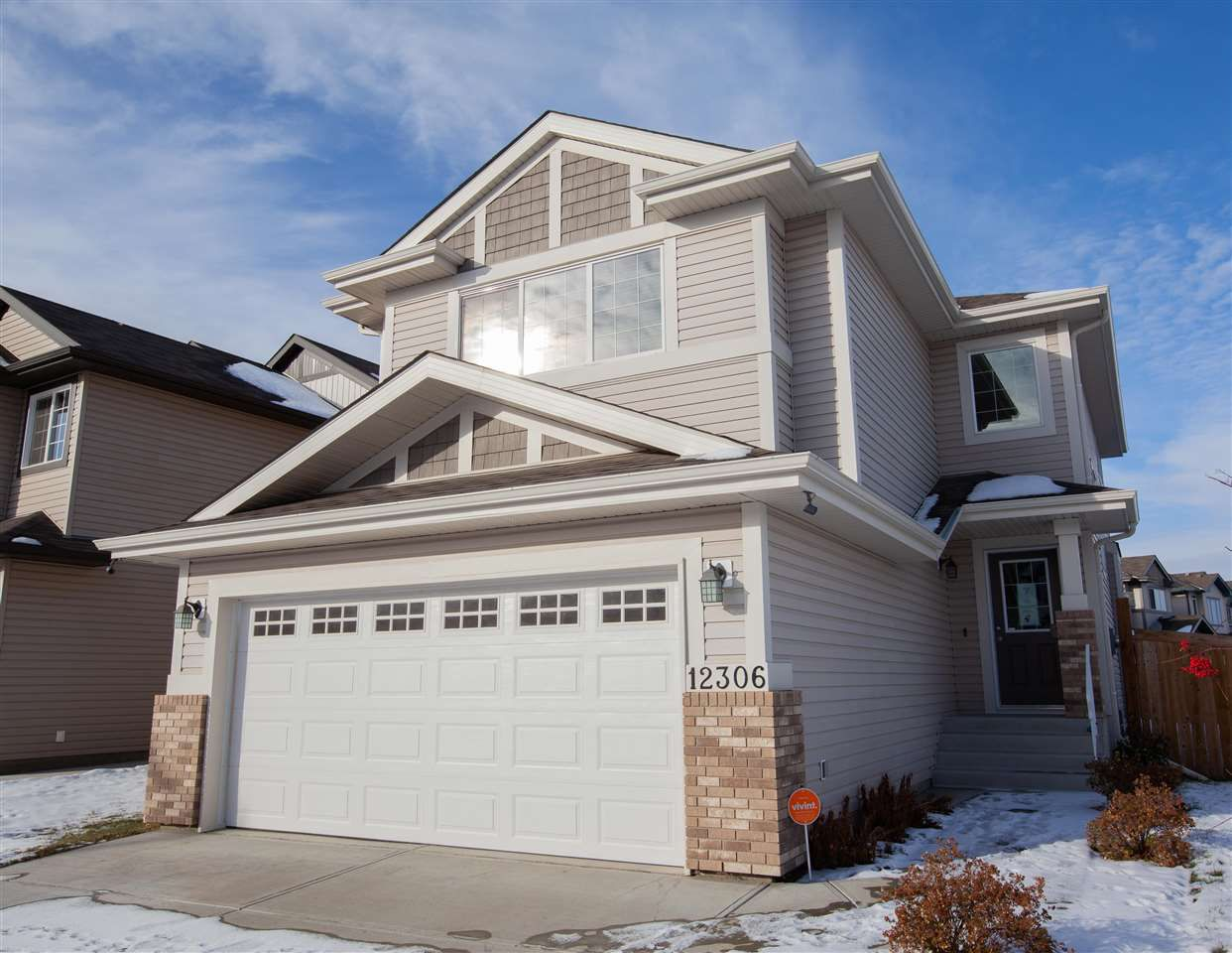 Main Photo:  in Edmonton: Zone 27 House for sale : MLS®# E4135977