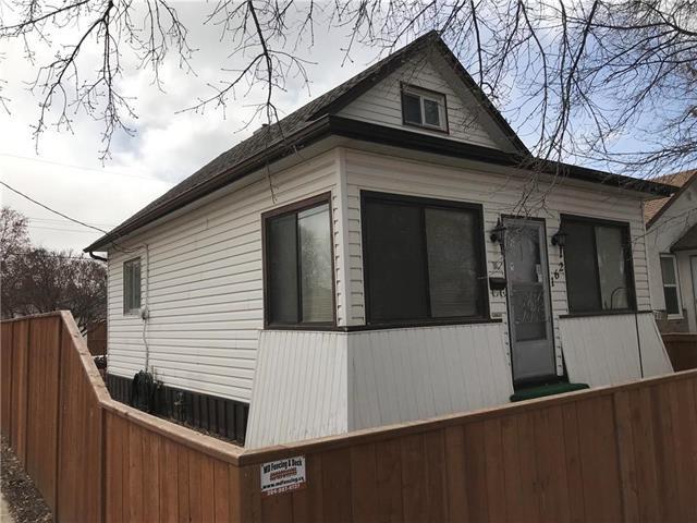 Main Photo: 162 Thom Avenue in Winnipeg: East Transcona Residential for sale (3M)  : MLS®# 1908173