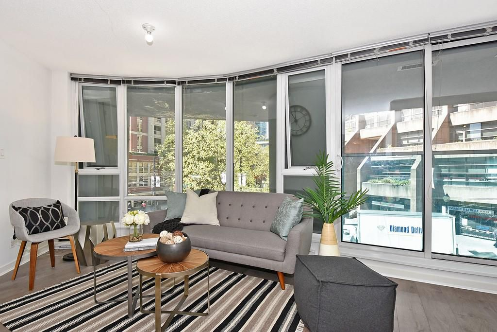 """Main Photo: 312 788 HAMILTON Street in Vancouver: Downtown VW Condo for sale in """"TV Towers"""" (Vancouver West)  : MLS®# R2364675"""