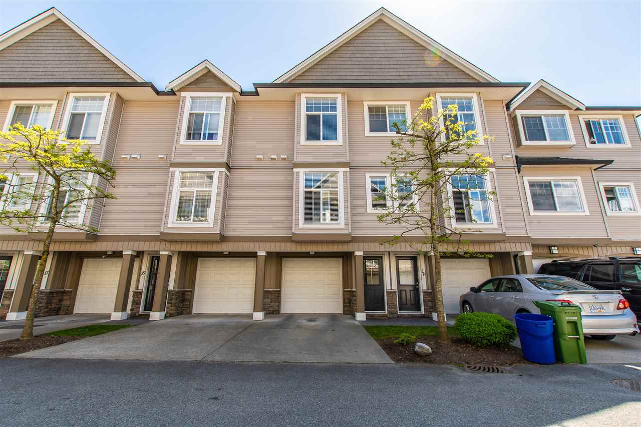 """Main Photo: 19 9140 HAZEL Street in Chilliwack: Chilliwack E Young-Yale Townhouse for sale in """"EVERSFIELD LANE"""" : MLS®# R2372247"""